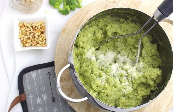 broccolistamppot met pesto!