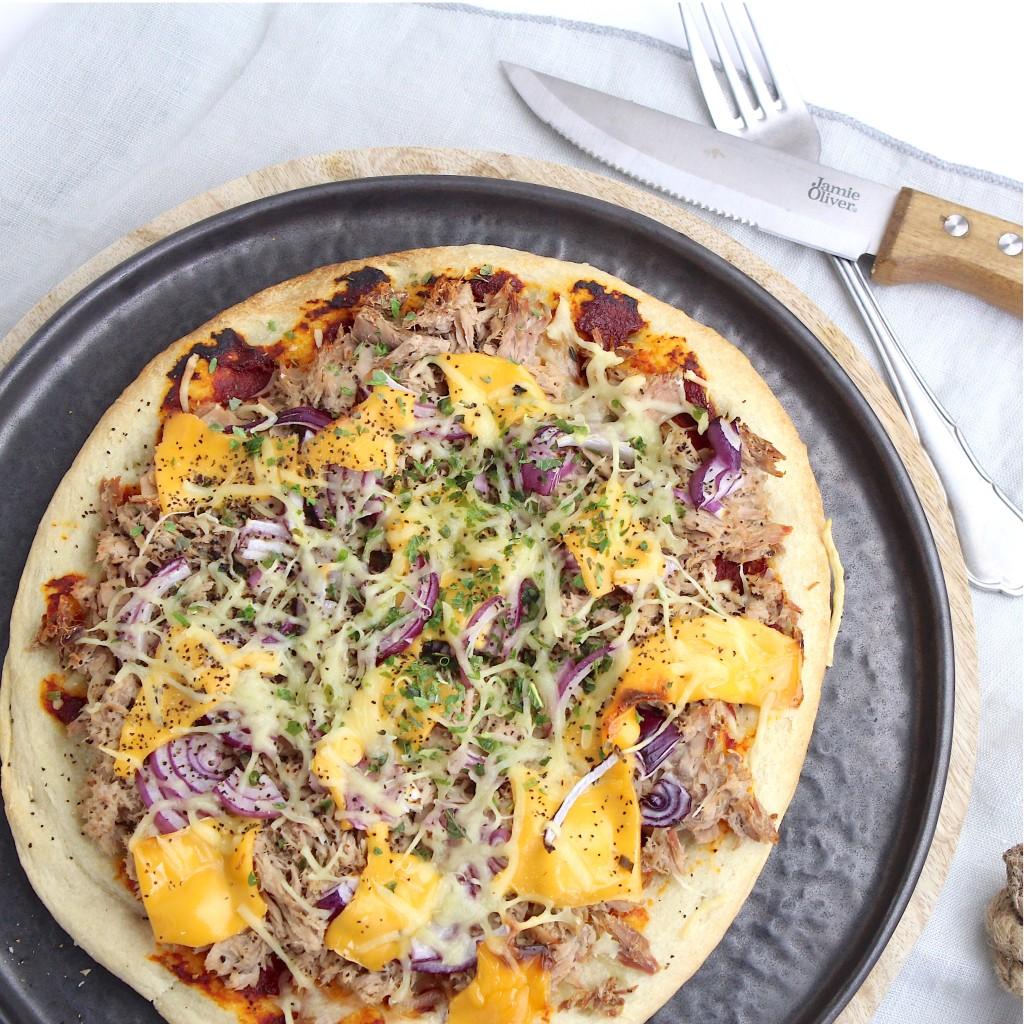 Bloemkoolpizza met tonijn